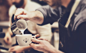 baristas_preparando_cafe